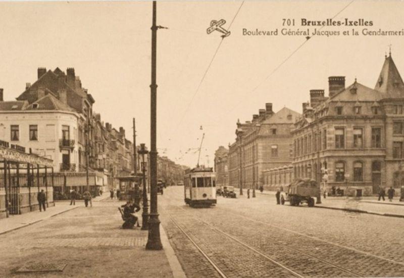 Zicht op de politiekazerne vanaf het station van Etterbeek (begin van de 20ste eeuw)